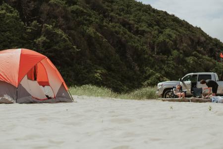 best pop up beach tent - The Skilled Survivor